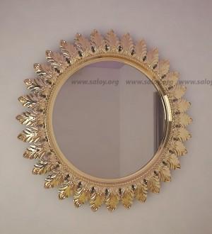 Зеркало в резной раме Rm-004z