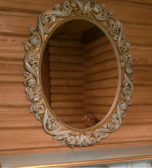 Зеркало в резной раме Rm-039